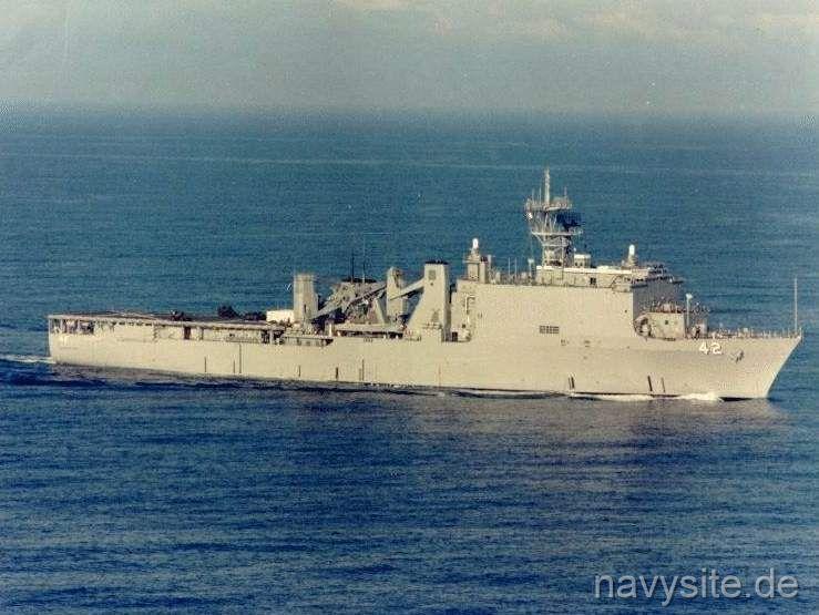 http://navysite.de/ships/lsd42_1.jpg